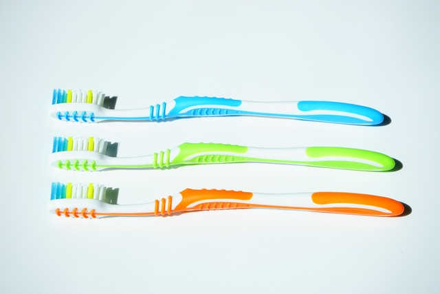 Tooth brushes 1194940 1920